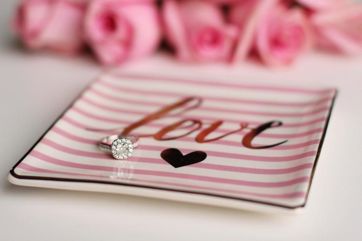Diamond ring-946943-edited